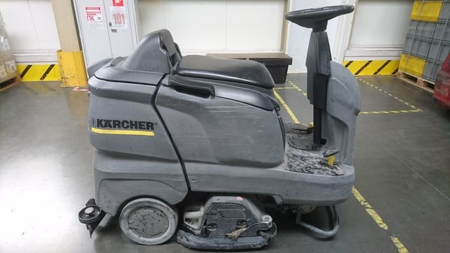 Підлогомийна машина Керхер В90
