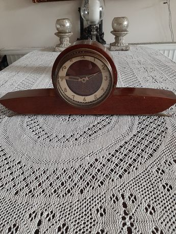 Stary zegar kominkowy.Z kluczem .