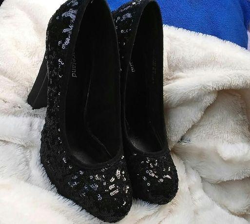 Czarne buty na obcasie słupek platforma cekiny 36
