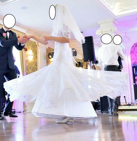 Suknia ślubna koronka, welon gratis