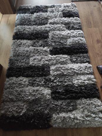 Sprzedam dywan. Imitacja cegły.