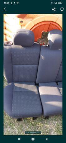 Ford Focus fotele przednie i tylne