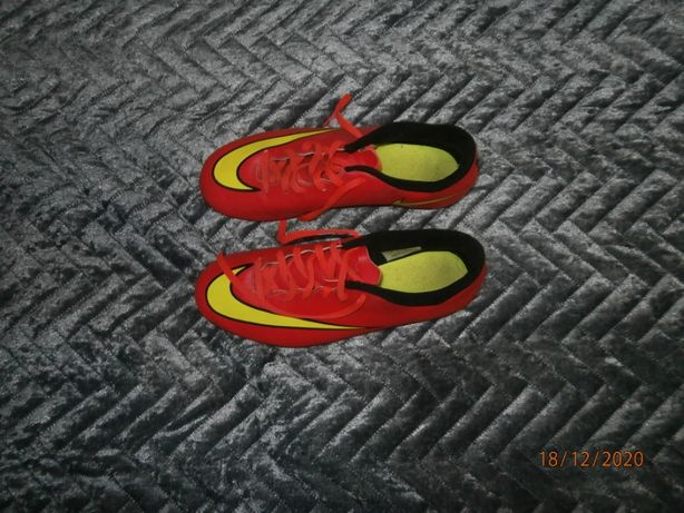 korki Nike roz.35.5