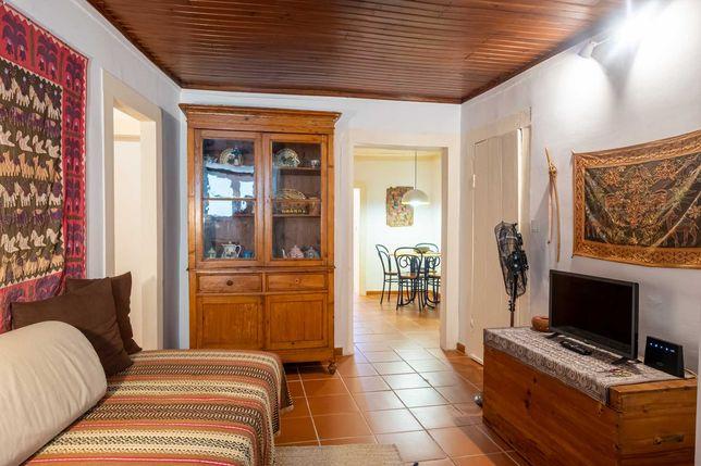 Aluga-se apartamento T2 no Bairro Alto