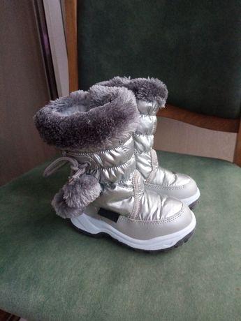 Продаються зимові дитячі черевички