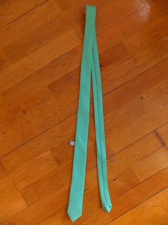 Krawat wąski miętowy raz użyty