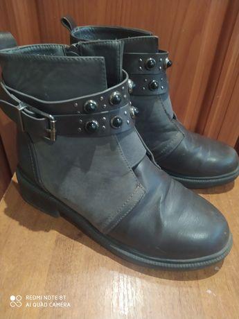 Осінні ботинки для дівчинки