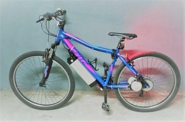 Bicicleta elétrica, quadro alumínio e suspensão frontal