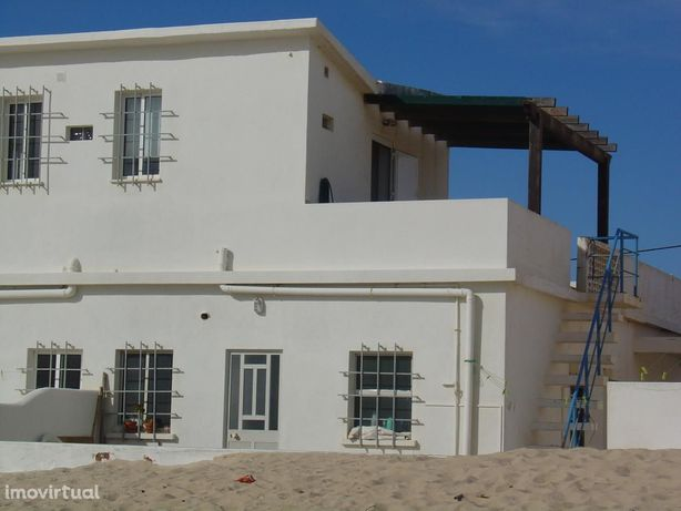 Moradia V3 / 2 pisos Praia de Faro/ 100m da praia