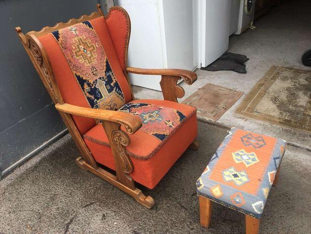 Кресло старинное + пуфик. Артикул 042