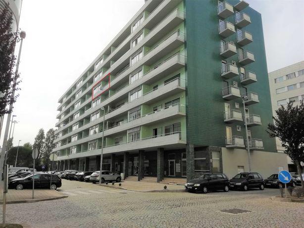 Apartamento T2 - arrendamento * Pedrouços