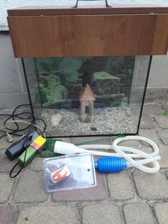 Продаю акваріум з усіма додатками