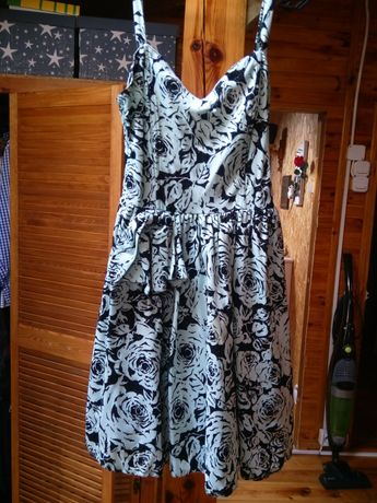 Sukienka z bolerkiem C&A 38