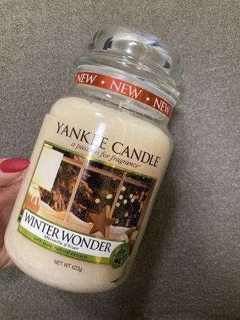 Yankee Candle duża nowa świeca zapachowa Winter Wonder