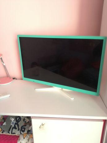 Tv monitor led 24 całe zielono bialy