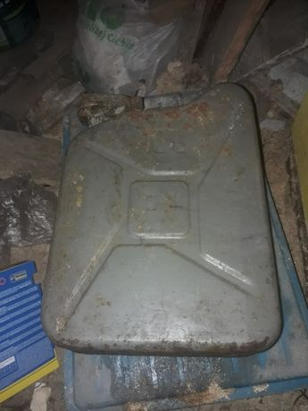 Stary kanister bańka