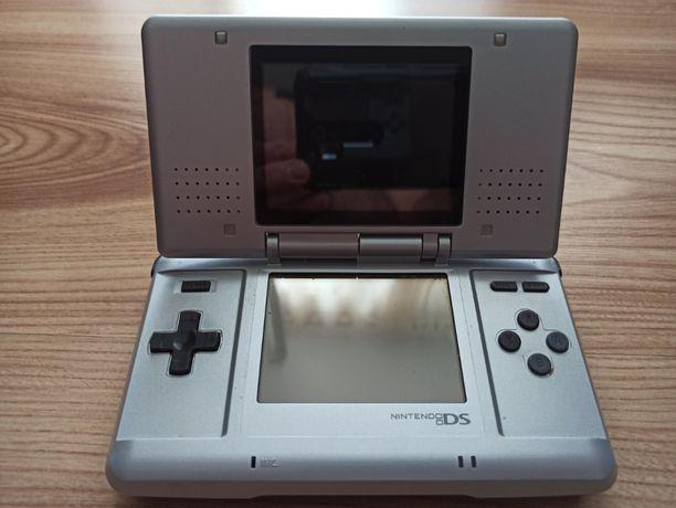 Konsola Nintendo DS - pierwsza wersja