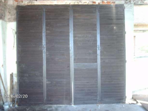brama garażowa drewniana w ramie