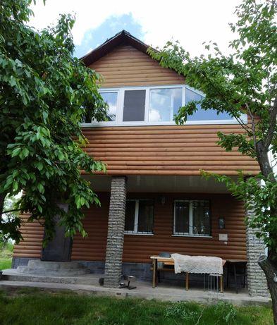 новый 2-х эт. дом, с. Ставы Кагарлыцкий р-н, живописное место, рыбалка
