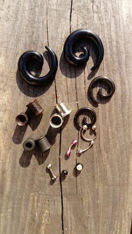 Piercing, tunele, rozpychacze, plugi