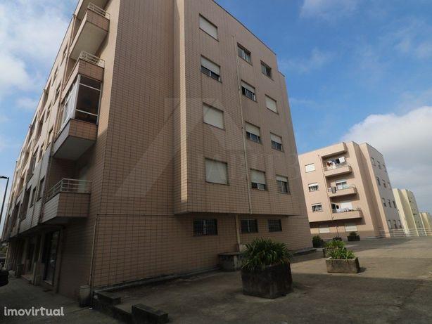 Apartamento T3 em Lomar