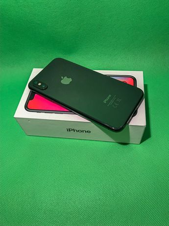iPhone X 256GB Space Gray + 4 etui. Stan idealny.
