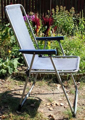 Granatowe krzesło ogrodowe/plażowe na metalowym stelażu
