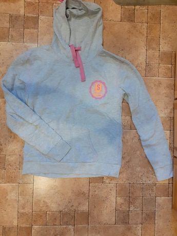 bluza z kapturem rozmiar L 40
