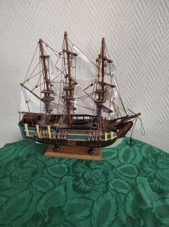 Statek ręcznie robiony Galion