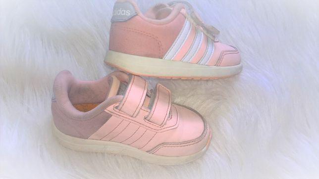 Adidas pastelowe brzoskwiniowe morelowe buciki dziewczęce 22 rzepy