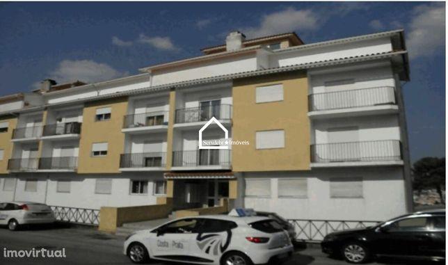 Apartamento T2 em Excelente Estado no Centro de São Romão