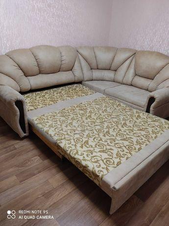 Угловой диван в зал