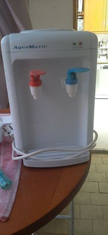 Refrigerasor de agua para pôr  garrafão.