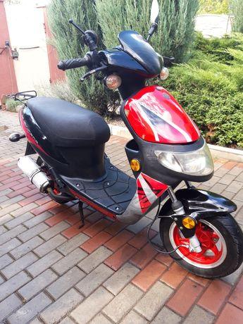 Продам скутер 50 65кубов