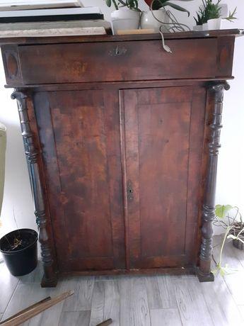 Stara komoda drewniana