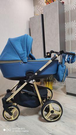 Продается красивая коляска Adamex Reggio