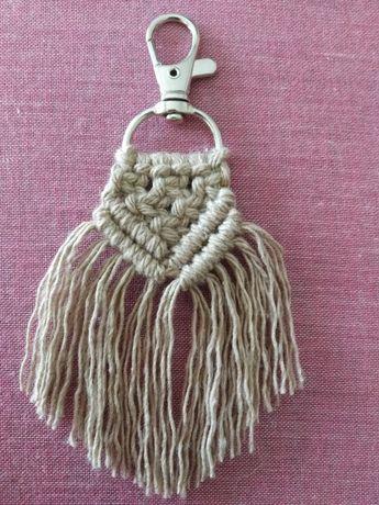 Porta chaves em macramé castanho - NOVO feito à mão, artesanato Prenda