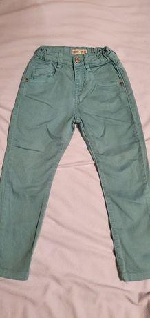 Spodnie jeansowe jeans Zara, super kolor 4-5 lat 110 cm.