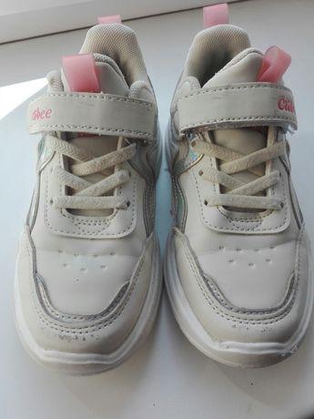 Кроссовки для девочки 70грн 31p.