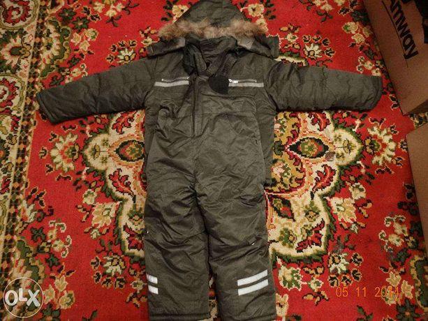 Зимний комбинезон зеленый (куртка и штаны)