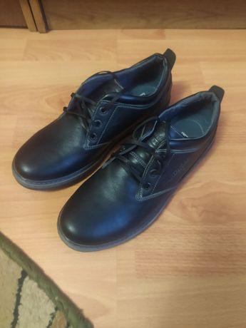 Продам мужские кожаные туфли KARDINAL