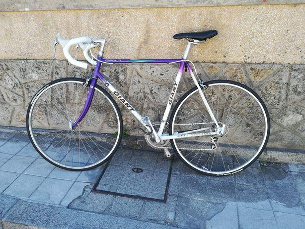 Bicicleta de estrada vintage Giant