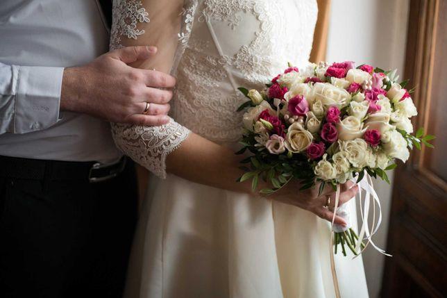 Свадебное платье дорогой атлас можно беременной