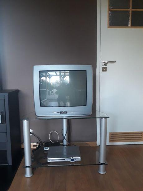 Sprzedam telewizor Philips z półką