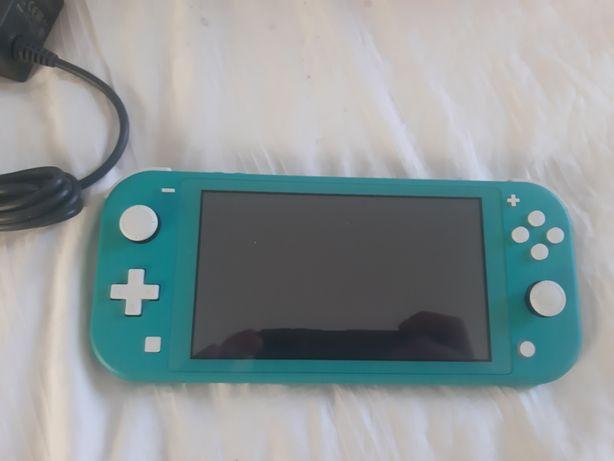 Nintendo switch lite заленая в наличии.Новая