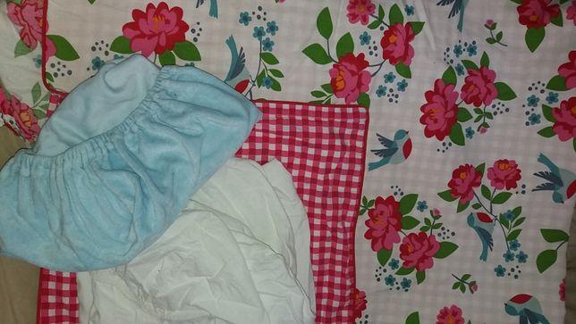 белье в кроватку и коляску плюс уголок
