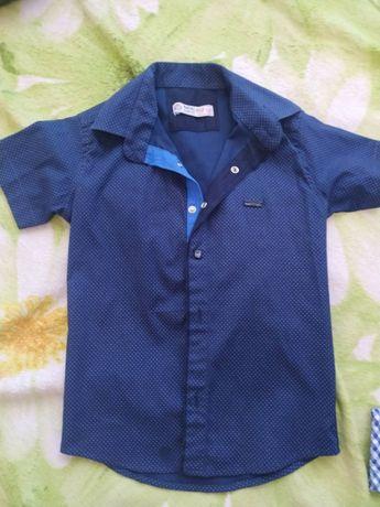 Продам рубашки на мальчика 7 лет