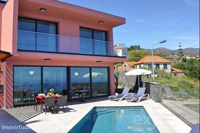 Fantastica Moradia T3 Na Ilha Da Madeira - Calheta - Vista Mar Com ...