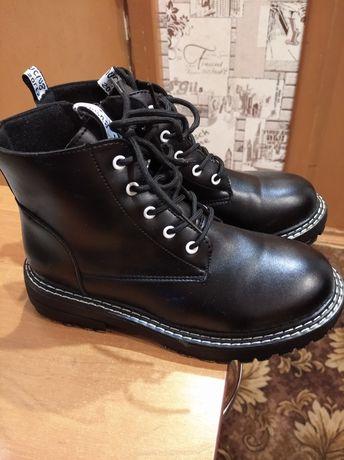 Продам ботинки демисезонные