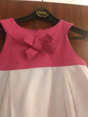 Vestido branco e cor de rosa